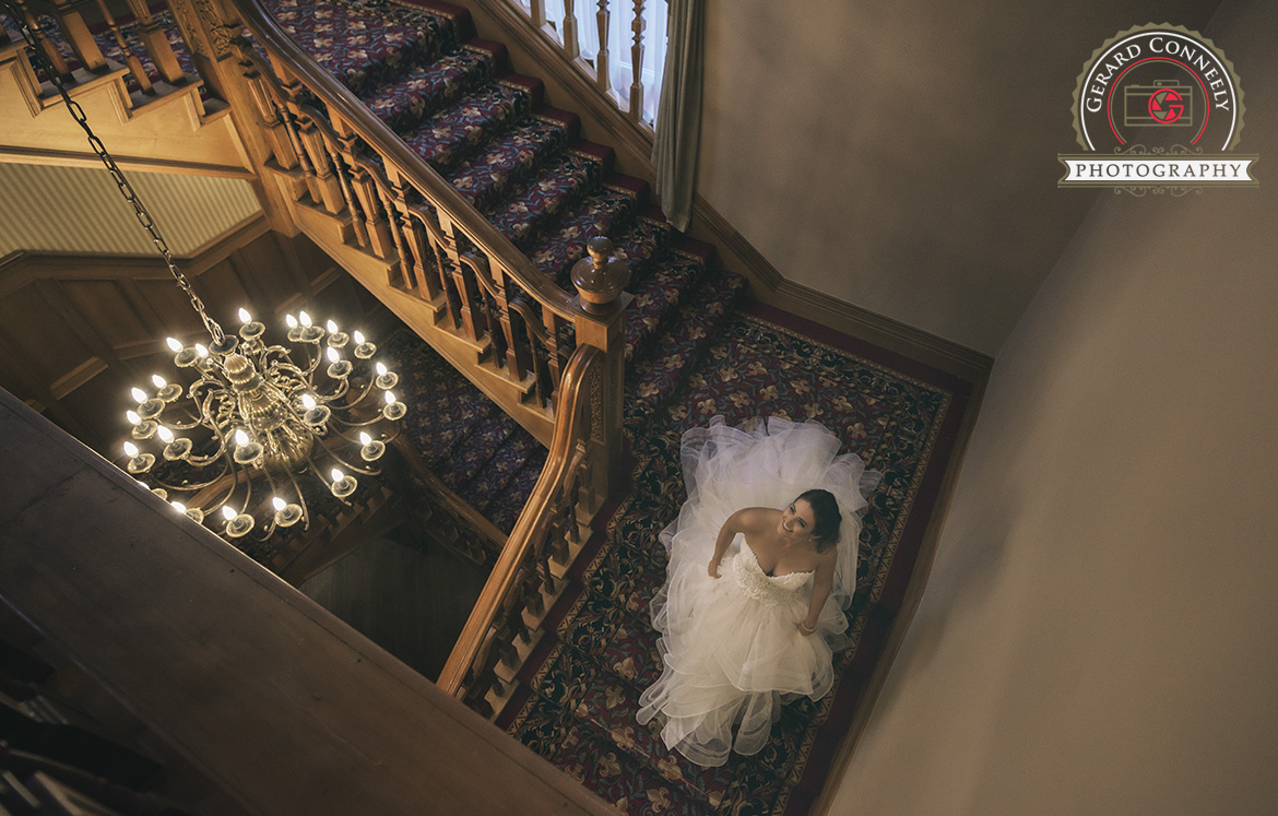 wedding photography bride leaving to ceremony