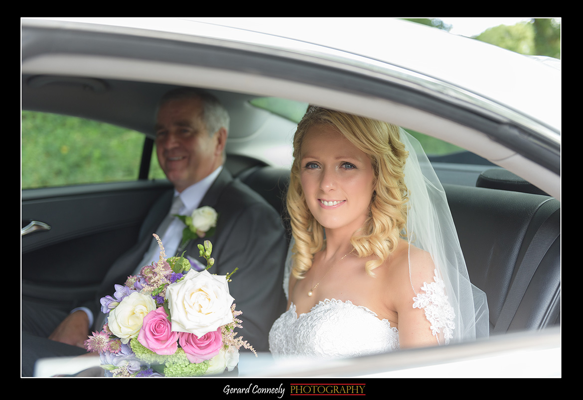 bride arriving at kiltartan church on her wedding day by gerard conneely photography